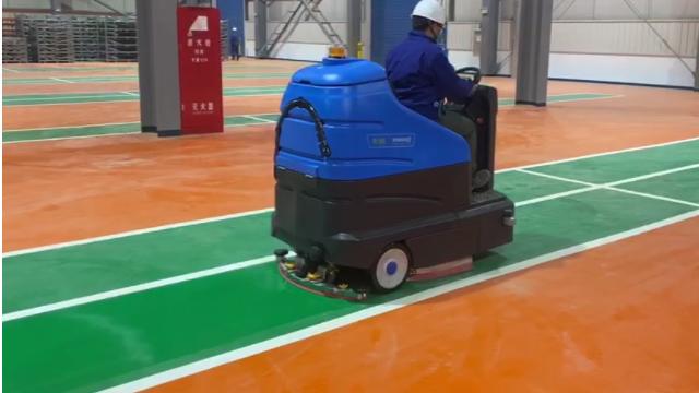 容恩超大型洗地机R180.超大型驾驶式双刷洗地机,进驻车辆制造工厂——驰诚清洁