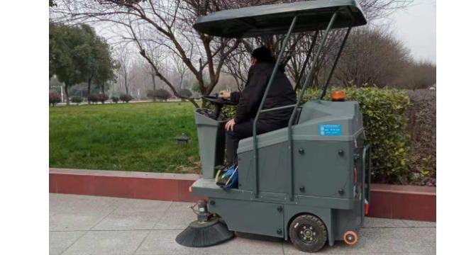 公园为什么喜欢用驾驶式扫地车