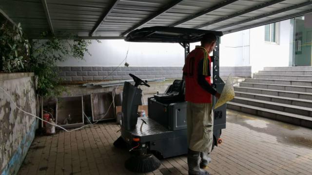 宜昌驾驶式扫地车解决招工难题