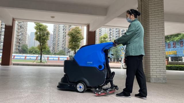 武汉学校静专用静音手推洗地机