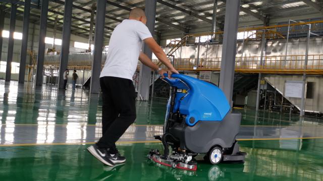 厂家如何做好全自动洗地机的售后服务