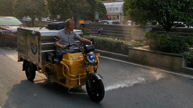 高压清洗车能为物业小区带来哪些好处