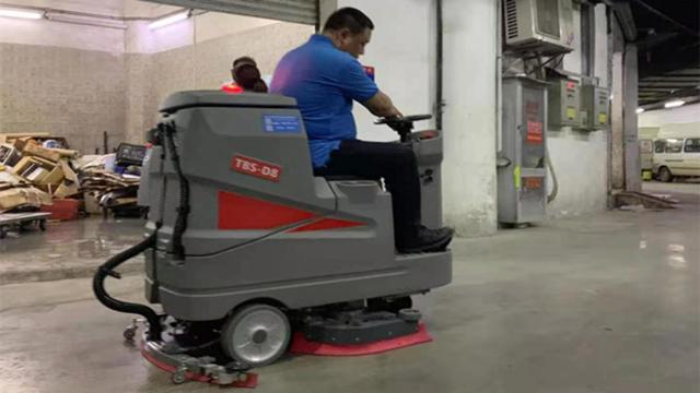 特佰仕D8驾驶式洗地机有哪些优势