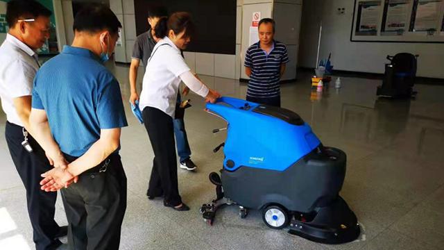 全自动手推式洗地机正确的保养操作步骤